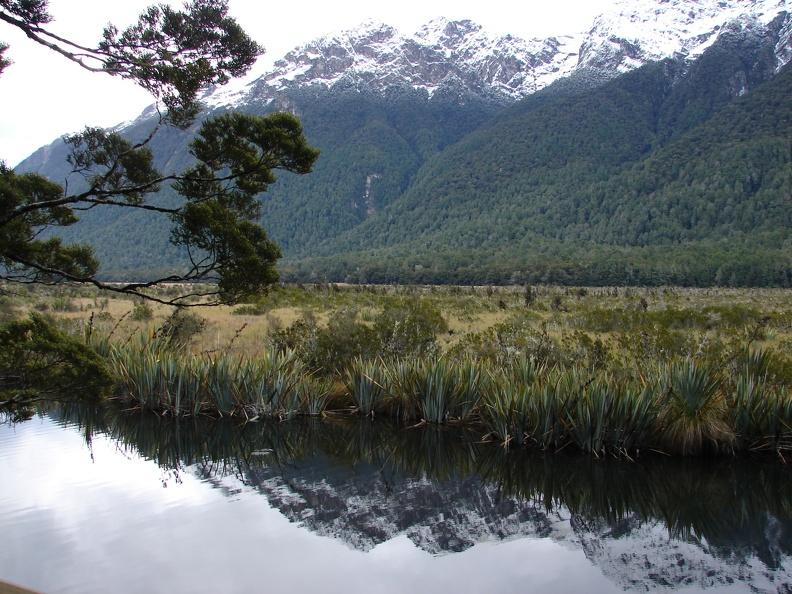 Frühmorgens, bei Windstille -- sollen die Lakes perfekte Spiegel sein