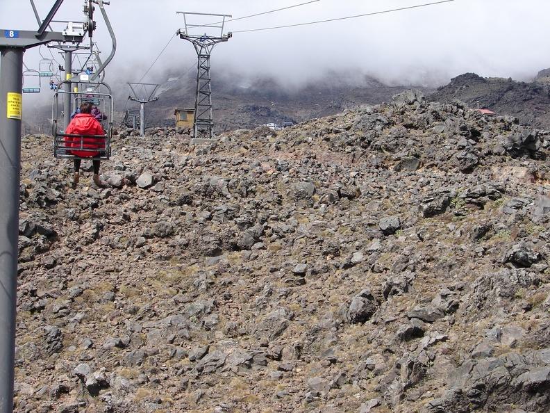 und kommen auf fast 2000 Meter -- mit dem Sessellift