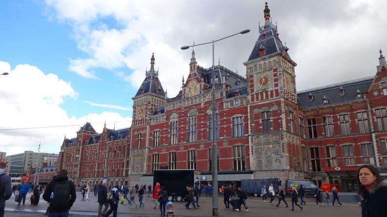 Amsterdam Centraal -- der Hauptbahnhof